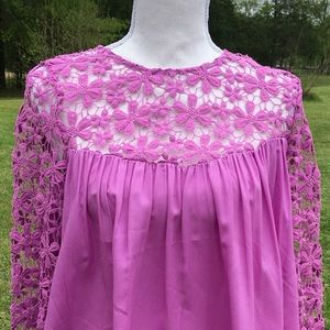 NWT Esley Lilac & Lace Top Size Small